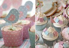 Imagens: https://petitepie.wordpress.com e http://www.flickr.com/photos/sweetness-cakes-confectionery/8621815512