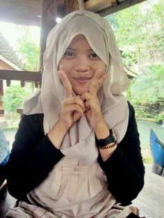 my hijab's style. simple, but i think it's not bad