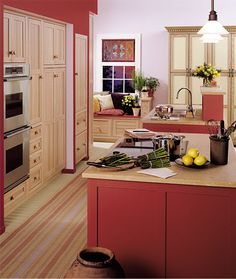 If I had to pick a colour to contrast my classic white kitchen it would be red❤
