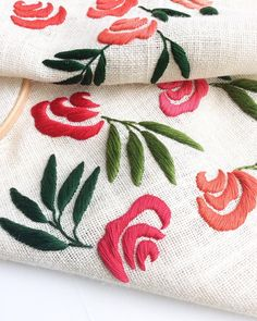 Crafts Needlework - TOOGOO(R)Crafts Needlework Embroidery Paintings Fashion Pastoral Eternal Love Ribbon Embroidery Color Series New Paintings Flower - Embroidery Design Guide Machine Embroidery Projects, Silk Ribbon Embroidery, Crewel Embroidery, Hand Embroidery Designs, Applique Designs, Floral Embroidery, Embroidery Patterns, Sew Ins, Needlework