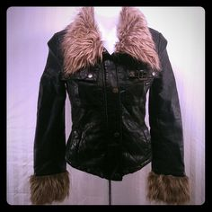 "Members only ""The Alexa Pleather"" size xs This is GORGEOUS. The alexa pleather.Quilted faux leather and faux fur trimmed collar and sleeves. Worn twice.EUC Urban Outfitters Jackets & Coats"