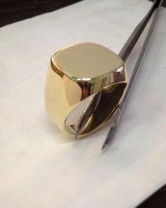 Und fertig #siegelring #gold #750/- fast 20g #goldschmied #handarbeit #MadeInGermany