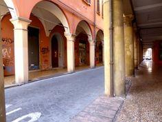 """Bologna Säulen Bögen - """"Bologna - Kurzer Stadtbummel"""" by @ninotsch"""