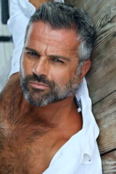 Some silver foxes to brighten your hump day. Handsome Men Quotes, Handsome Older Men, Handsome Arab Men, Hairy Men, Bearded Men, Scruffy Men, Silver Foxes Men, Grey Hair Men, Strong Woman Tattoos
