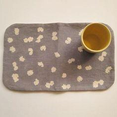 【トモタケ】tea mat-round (petals) - 雑貨 hina