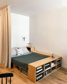 Check out some easy and simple small bedroom ideas for your ultimate reference! Just choose the best bedroom decor that you really love now! Room Interior, Interior Design Living Room, Tiny Bedroom Design, Small Room Design, Home Bedroom, Bedroom Decor, Bedroom Ideas, Bed Ideas, Bedroom Workspace