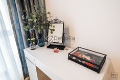 Modern and colorful interior design. The make up table area: Ikea desk and mirror, H&M Home details. Colorful Interior Design, Colorful Interiors, Ikea Desk, H&m Home, Vanity, Mirror, Modern, Projects, How To Make