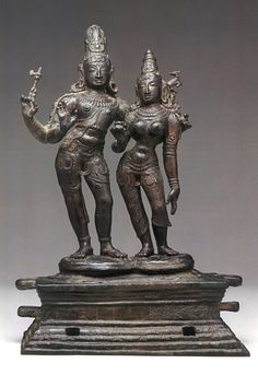 Shiva and Uma India (Tamil Nadu) late century Bronze 17 in cm) Archaeology Chola Dynasty, Indiana, Indian Temple Architecture, Asian Sculptures, Ancient Indian Art, Hindu Statues, Krishna, Shiva Statue, Hindu Deities