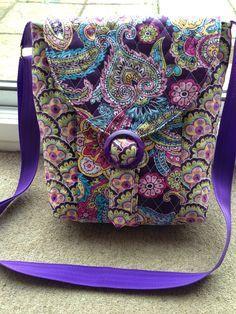 So Sew Easy cross body bag Cross Body Bag Pattern Free, Purse Patterns Free, Bag Patterns To Sew, Tote Pattern, Diy Tote Bag, Tote Bags, Sew Bags, Bags Sewing, Crossbody Bags