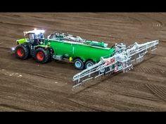 RC Traktor sprinkling a field! R/C Claas Tractor in Action!