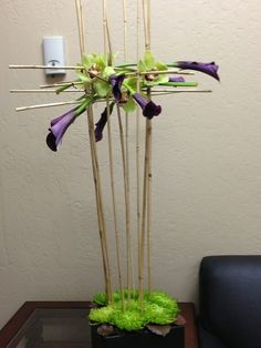 Just a little something I make for Kimberly this week! Unique Flower Arrangements, Unique Flowers, Amazing Flowers, Flower Show, Flower Art, Rama Seca, Modern Floral Design, Corporate Flowers, Arte Floral