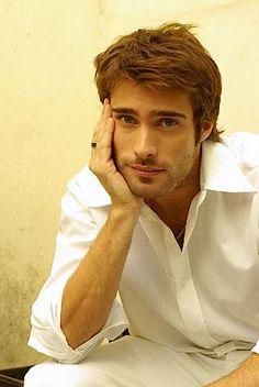 Antonio Rodrigo Guirao Diaz, Argentine actor/model, b. 1/18/1980 in Buenos Aires
