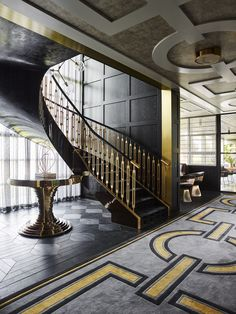 Railing Design, Staircase Design, Decor Interior Design, Interior Decorating, Black Rooms, Beautiful Dining Rooms, Entry Hallway, Grand Staircase, River House