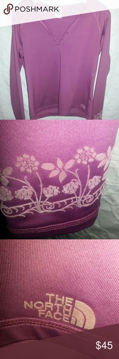 The North Face vapor wick pullover Long sleeve with flowers The North Face Tops