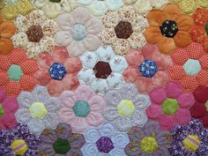 Quilt of the Week -- July 9, 2013 - 391 hand pieced hexie flowers!