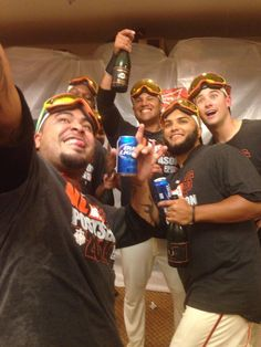 """""""@ryanhood19: But first... #SFGiants pic.twitter.com/PlkoBn5nwy"""" love this!"""