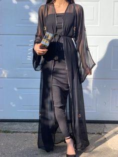Arab Fashion, Muslim Fashion, Modern Abaya, Abayas, Street Style Looks, Satin Dresses, Fashion Dresses, Couture, Sexy