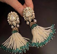 Beaded Jewelry Designs, Jewelry Design Earrings, Gold Earrings Designs, Coral Jewelry, Ear Jewelry, Trendy Jewelry, Simple Jewelry, Fashion Jewelry, Kundan Jewellery Set