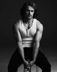 Sam Heughan Interview Elle Magazine (Spring GREAT SCOT Outlander is one of the sexiest shows on TV, thanks in no small part to the blue-eyed, redheaded, oft-shirtless Sam Heughan. Sam Heughan Outlander, Outlander Series, Gabaldon Outlander, Outlander Tv, Sam Heughan News, Sam Heughan Actor, Outlander Characters, Jamie Fraser, Sam Hueghan