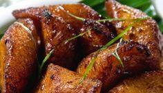 Look at this recipe - Spiced Fried Plantain - and other tasty dishes on Food Network. Fried Plantain Recipe, Plantain Recipes, Food Network Uk, Food Network Recipes, Ripe Plantain, Vegetarian Lifestyle, South African Recipes, Tasty Dishes, Side Dishes