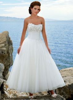50's style wedding dress..