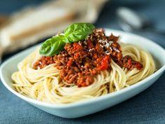 Pasta con Salsa a la Bolognesa | La pasta a la bolognesa es un platillo irresistible además de ser muy nutritivo por contener todos los grupos de alimentos.