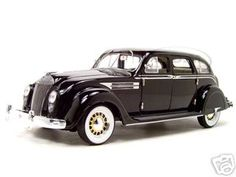 1936 Chrysler Airflow Diecast Model Black 1/18 Die Cast Car By Signature Models