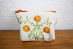 delicately embroidered flowers on grain sack - a little wallet for your little things! Flour Sacks, Grain Sack, Embroidered Flowers, Little Things, Euro, Coin Purse, Purses, Wallet, Handbags