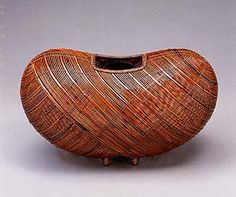 PRIZE OF THE PRESIDENT OF THE JAPAN ART CRAFTS ASSOCIATION ~ Cocoon-shaped flower basket. TANIOKA Shigeo