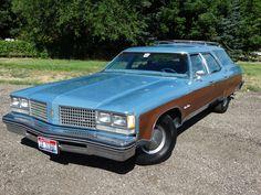 '76 Oldsmobile Custom Cruiser Woody Wagon