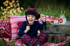 © Sara Callow Photography Christmas holiday mini sessions on location outdoors #photography #Child #photoshoot
