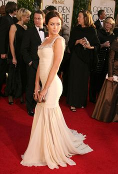 Photo of Emily Blunt for fans of Emily Blunt 236497 Celebrity Stars, Celebrity Outfits, Dinner Gowns, Evening Gowns, Bridesmaid Dresses, Prom Dresses, Wedding Dresses, Beautiful Female Celebrities, Actresses