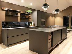 #kvik #kvikkitchen #kitchendesign #danishdesign #pratobykvik #interiordesign #home #interior #kitcheninspiration #newkitchen #cooking . . . . . #køkkeninspiration #kökinspiration #kjøkkeninspiration #keittiö #keukeninspiratie #cuisine #cocinas #køkkenø #köksö #kjøkkenoy #keittiösaareke #keukeneiland #ilotcuisine #isladecocina