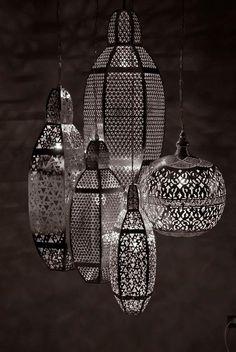 Lustres Marocains  Nous fabriquons en local et artisanal marocains  n'hésitez…