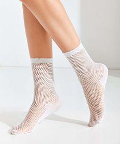 Schluss mit nackten Knöcheln bei 0 Grad: Diese 11 fabelhaften Socken bereichern jeden Look #refinery29  http://www.refinery29.de/sockenblitzer