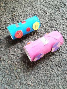 Petites voitures en papier toilette, à décorer à souhait