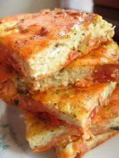 Megláttam a receptet Gabojszánál és belszerettem :-) Az ilyen recepteket kedvelem a legjobban: mediterrán ízvilág, könnyű vacsora, gyors és finom. Paradicsomos – túrós kockák Hozzávalók a paradicso… Vegetarian Recipes, Cooking Recipes, Healthy Recipes, Healthy Food, Lasagna, Good Food, Food And Drink, Snacks, Vegan