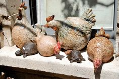 Ceramic chickens, Les Baux France by Clay Birds, Ceramic Birds, Ceramic Animals, Clay Animals, Ceramic Clay, Ceramic Pottery, Pottery Art, Ceramic Chicken, Chicken Art