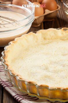 La recette pour préparer des tartes idéales pour les intolérants au gluten : la pâte à tarte sans gluten avec de la farine de riz et de sarrasin. #recette#cuisine#pates#patisserie #sansgluten Desserts, Rice Flour, Parchment Paper Baking, Drizzle Cake, Tarts, Gluten Free Pie Crust, Special Recipes, Tailgate Desserts, Deserts