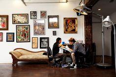 Scott Campbell (Tattoo Artist/Superstition Mechanic) at His Studio in Williamsburg Brooklyn Tattoo Salon, Home Tattoo, Tattoo Studio Interior, Saved Tattoo, Classy Tattoos, Piercing Studio, Scott Campbell, Tattoo Parlors, Shop Interiors
