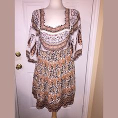 PreOwned FreePeople Aztec Print ShortDress Brand: Free People  Style: Aztec Print Dress Size: Medium Pre Owned But In Great Condition!  Comes from a pet free and smoke free home!!! Free People Dresses