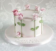 Cake Decorating With Fondant, Cake Decorating Techniques, Cake Decorating Tips, White Fondant Cake, Fondant Cakes, Cupcake Cakes, Bolo Floral, Floral Cake, 80 Birthday Cake
