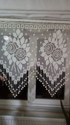 Crochet Curtain Pattern, Crochet Curtains, Curtain Patterns, Filet Crochet, Crochet Motif, Crochet Doilies, Diy And Crafts, Projects To Try, Knitting