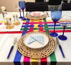 Não tem roupa de mesa para uma mesa de São João? Improvise com fitas de cetim!  Gostaram?  #lardocecasa #lardocemesa #mesahits #semanamesahits_vivasaojoao  #saojoaolardocecasa #arraiarlardocecasa #saojoao #festajunina