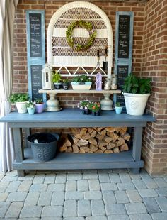 Should stack firewood on the bottom of the potting bench for winter! DIY Outdoor Furniture and Decor Ideas - Setting for Four Potting Bench Plans, Potting Tables, Potting Sheds, Diy Outdoor Furniture, Wicker Furniture, Outdoor Decor, Outdoor Buffet, Wicker Dresser, Wicker Trunk