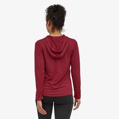 Patagonia Women's Capilene® Cool Daily Hoody Hanging With Friends, Body Size, Daily Fashion, Patagonia, Stretch Fabric, Going Out, Fitness Models, Hiking Clothes, Working Hard