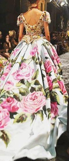Dolce & Gabbana @michaelOXOXO @JonXOXOXO @emmaruthXOXO @emmammerrick  #ALLTHINGSFLORAL