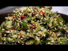 밥도둑 대마왕 청양고추[고추다짐,고추장물]만들기.멸치와 이것2가지를 넣었더니 밥도둑 대마왕이된 고추다대기 만들기. - YouTube Korean Food, Love Food, Rice, Meals, Baking, Vegetables, Recipes, Foodies, Korean Cuisine