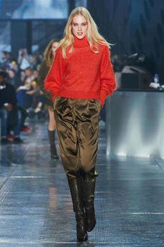H&M משיקה קולקציית סטודיו לסתיו 2014-15 בשבוע האופנה בפריז - וואלה! אופנה