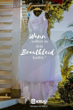 This is the right time to buy your wedding dress - Heiraten Got Married, Getting Married, Right Time, Mermaid Wedding, Wedding Dresses, Buy Dress, Stuff To Buy, Tricks, Blog